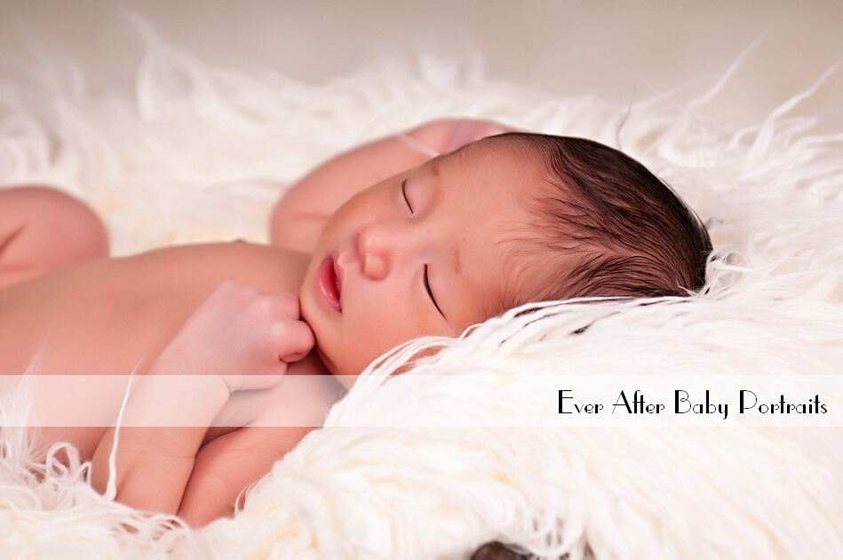Must-have necessities for new moms! | Northern VA Baby Photographer